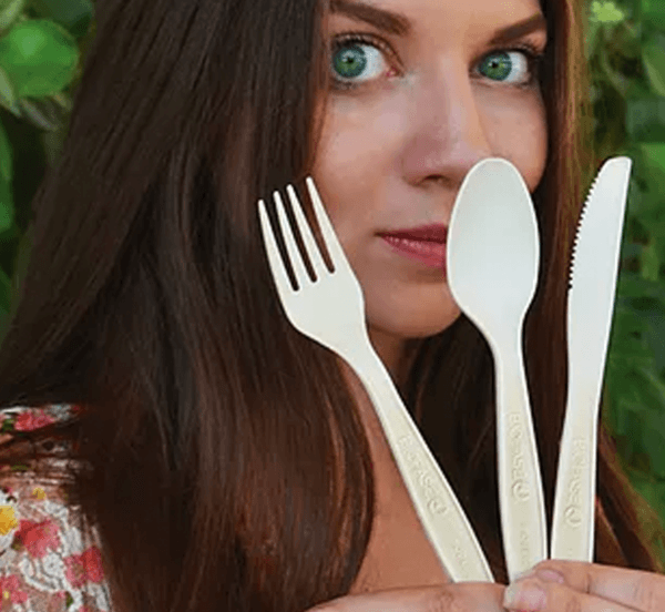 mixed-cutlery-lifestyle-shot